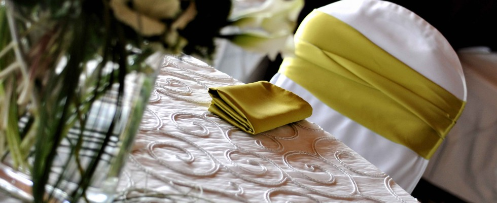 Specialty wedding linens
