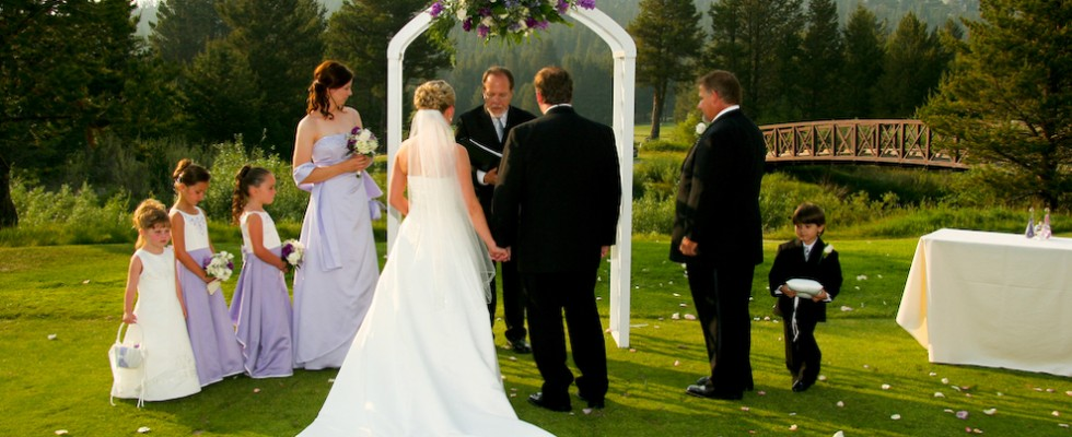 outdoor weddings in lake tahoe